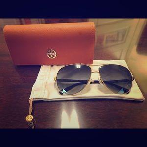Tory Burch aviator sunglasses w/original case&bag.